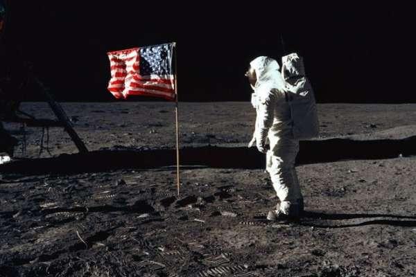 人類月球探索:商業與政治的爭奪戰!誰將擁有月球資源的開採權?