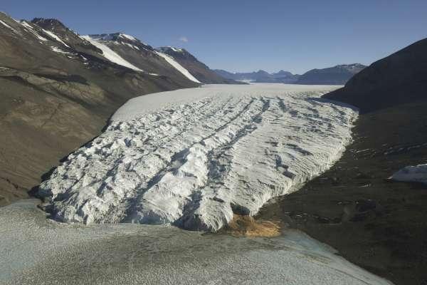 地球發高燒》「極不尋常,難以置信!」南極洲首度出現20.75度高溫,企鵝棲地岌岌可危