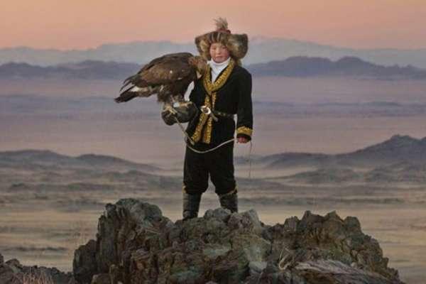 印度有《我和我的冠軍女兒》、蒙古有《女獵鷹人》!從這些電影看台灣的性別平等之路