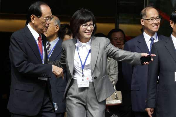 新新聞》吳釗燮挺口譯哥,意在整合掌握對美外交窗口