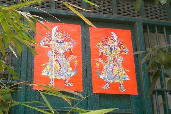 其實「門神」應該要在大年初一才能貼?這個習俗的由來,99%的台灣人都不知道