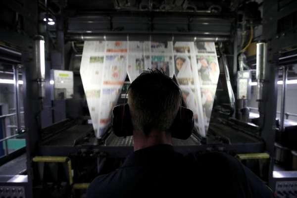 媒體辛辛苦苦寫新聞, Google 及 Facebook 卻把勞動成果整碗捧去…新聞業的未來該何去何從?