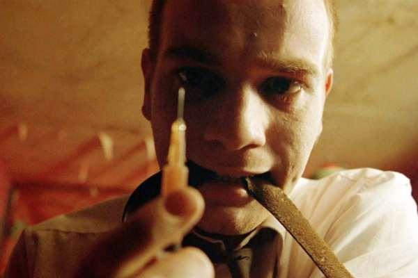 電影抽菸、灌酒、吸毒是來真的嗎?好萊塢「獨門配方」大揭密!原來他們調的酒永遠喝不醉