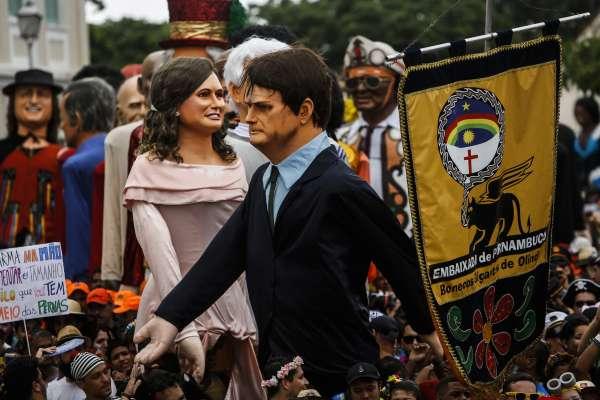 反擊嘉年華會嘲弄,巴西總統竟上傳「裸男撒尿影片」!民眾怒轟:總統先生,連我6歲的孫女都看到了!