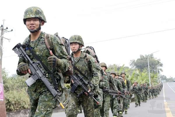 「濱海決勝、灘岸殲敵!」陸軍特戰部隊20天山隘行軍拉到濱海,特訓「關鍵地形」