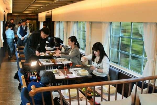 西鐵美食列車23日上路 開放式廚房選用在地食材