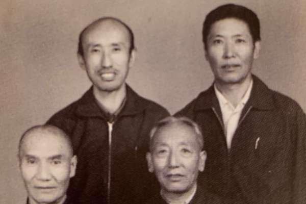「解放軍炮轟達賴夏宮的那天,我人就在裡面」流亡藏人洛桑塔杰:解放軍來了,所有西藏官員都被關押勞改