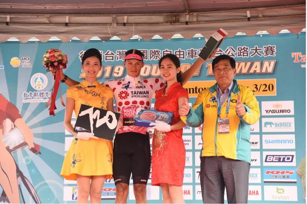 自由車環台賽南投站 中華隊馮俊凱再獲藍衫