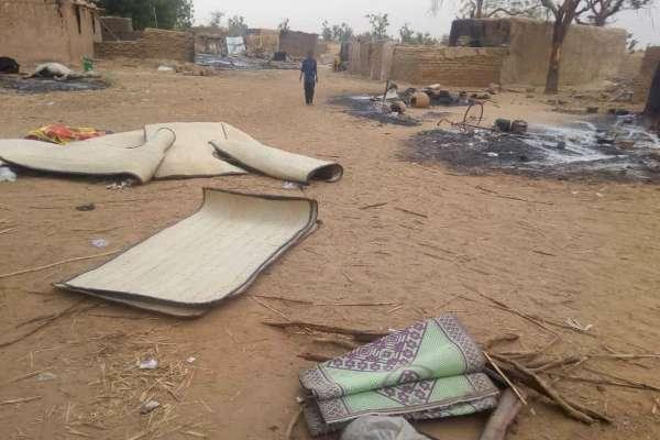 西非國家馬利屠村慘案》富拉尼族村落屍橫遍野 全村被燒成灰燼 連孕婦、孩童及老人都不放過!