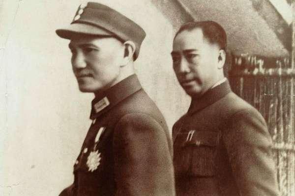 蔣介石最信任的「中國第一特務」離奇墜機亡!戴笠之死黑幕重重,竟跟乾隆九龍寶劍有關…
