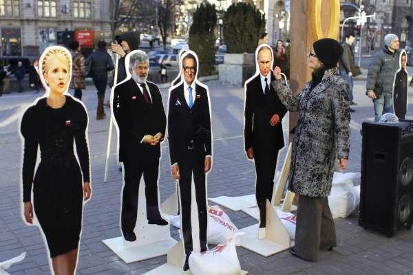 烏克蘭總統大選:「巧克力大王」「天然氣公主」「人民公僕」二王一后大會戰