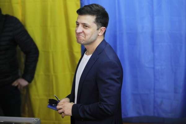 烏克蘭總統大選》假戲真做又何妨?人民對建制派投下不信任票:喜劇演員跑來選總統 而且他真的要當選了!