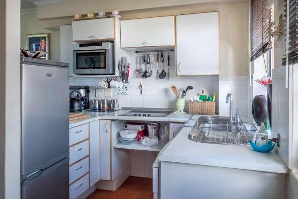 廚房老是好亂?日本主婦激推3個「收納小工具」,一用空間立刻放大、瞬間超清爽!