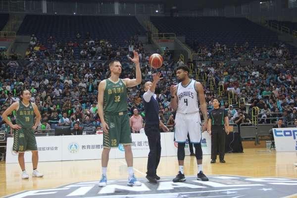 籃球》SBL總冠軍賽高雄開打 韓國瑜擔任開球嘉賓