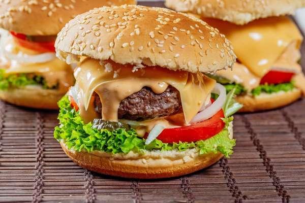 外食費漲 主計總處:西式速食漲2.45%最多