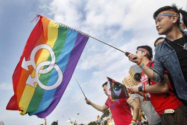 鄧鴻源觀點:神愛世人,應該不分性別