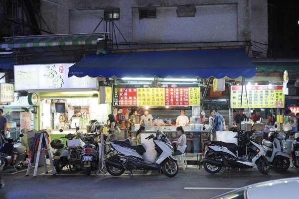 台灣不愧是小吃王國!全國30萬攤販賣食物、飲料佔一半,每攤平均淨賺這麼多