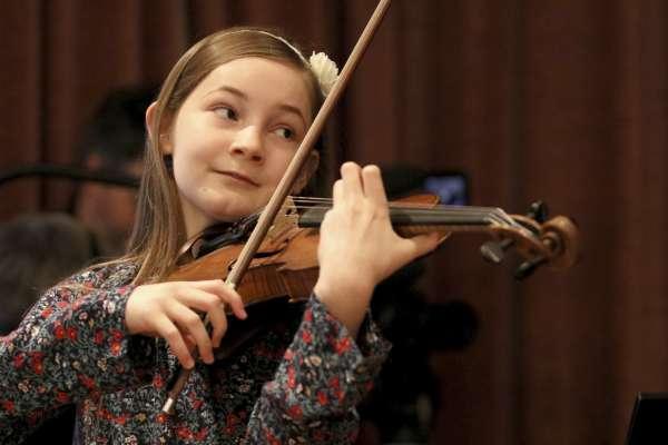 6歲創作鋼琴奏鳴曲、7歲寫出歌劇……英國音樂女神童拒當「新莫札特」多伊徹:我是女性主義者