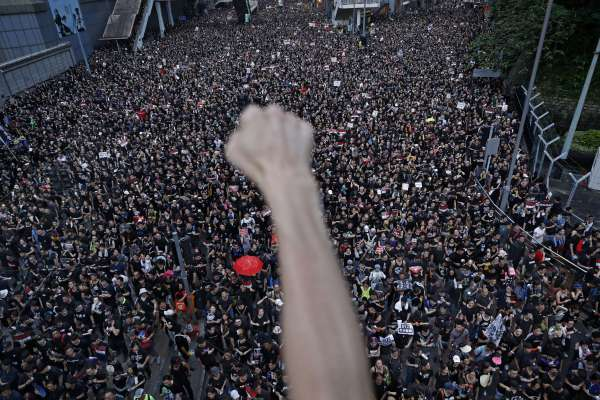 香港不是中國,至少現在還不是!《重返天安門》作者林慕蓮投書《衛報》:港人將持續捍衛香港獨特價值