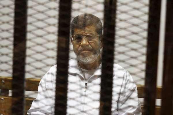 被政變、被囚禁、被判死刑……全世界最悲情的前總統穆爾西在法庭上當場死亡