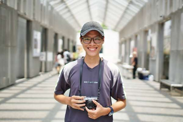 3年搬過5次家!失學越南新二代在台灣打工自學拍電影,導演拍下他「不得不努力」人生
