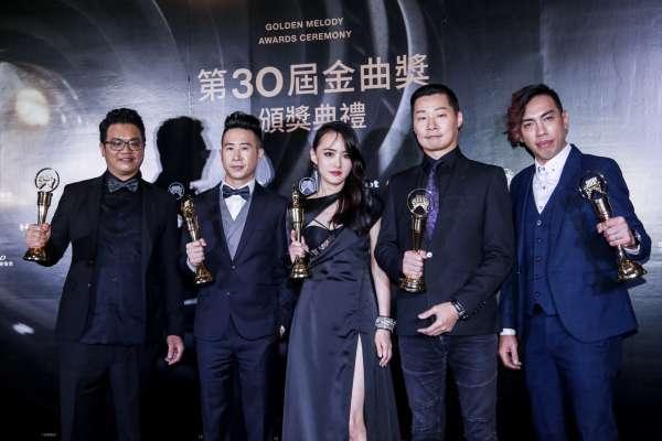 金曲獎》閃靈睽違16年再奪最佳樂團獎,與何韻詩一同高呼「守台灣撐香港」