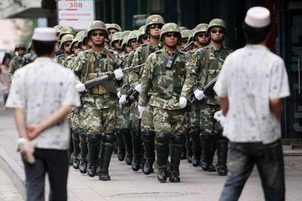 七五事件》異議人士判刑、恐攻此起彼落、再教育營遍布……新疆10年大事記