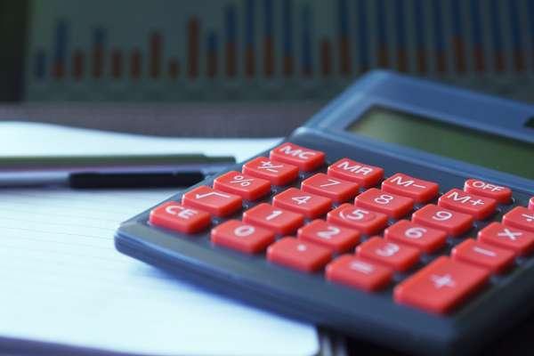 買保險除了貨比三家,最重要是找「講話讓你聽得懂」的保險業務!
