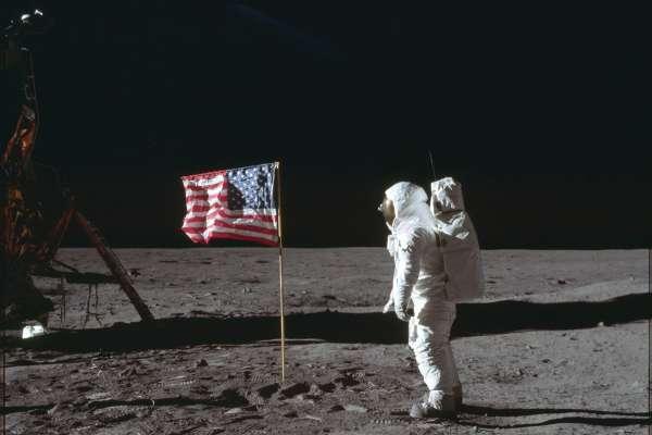 阿波羅登月50周年