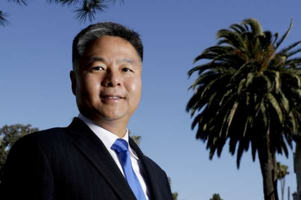 當過美國空軍、選上美國民代,仍被嗆「滾回中國」台裔聯邦眾議員劉雲平:族裔多元是國家最重要資產