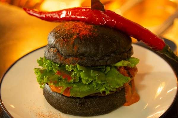 什麼樣的漢堡,會好吃到讓你「不想和別人分享」?名店店長不藏私透露其中最重要關鍵