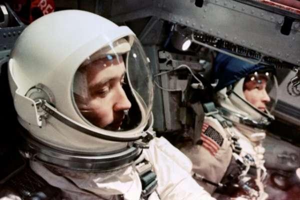 在外太空也要來一杯?新研究:紅酒中的「白藜蘆醇」可幫助太空人維持器官機能運作、對抗無重力