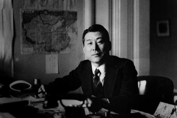 他發簽證拯救6千猶太人,卻承受汙名半世紀、到死後才被平反!揭「日版辛德勒」杉原千畝