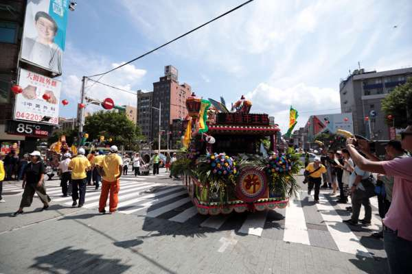 中元祭放水燈序曲 基隆市區迎斗燈遊行