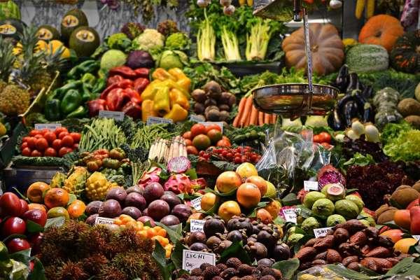 蔬菜水果全部放冰箱就對了?小心爛更快!專家告訴你10種常見蔬果的正確保存方法