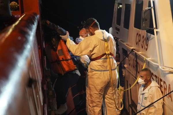 14個月來第一次!義大利允許難民救援船靠岸 極右派強硬移民禁令失效