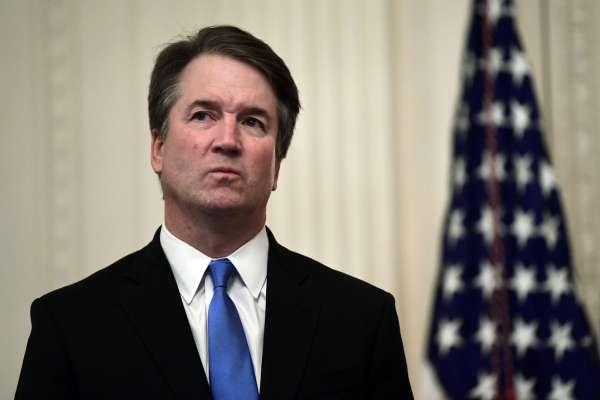 美國大法官卡瓦諾又爆性侵醜聞?部分民主黨人堅持發起彈劾 川普護航回嗆:告這些人誹謗