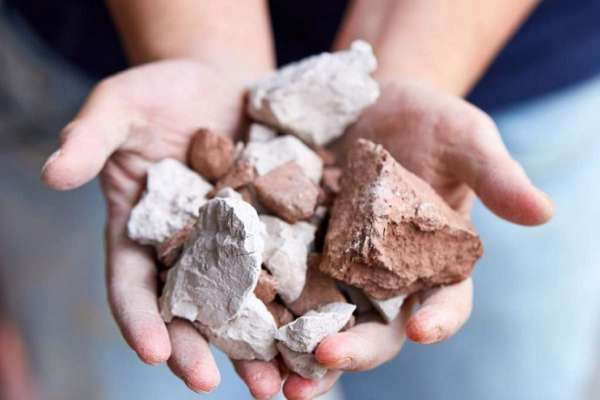 聽過再生紙、再生衛生紙,那再生陶瓷餐具呢?混合工業廢料製成環保陶瓷餐具,竟天生就有超美紋路