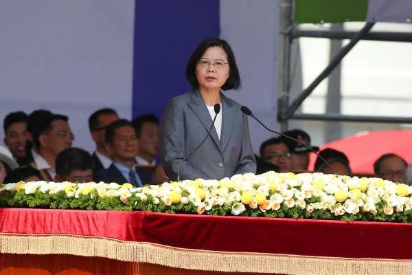 韓國瑜叫陣辯論兩岸政策 蔡英文競辦冷回:市長責任是上質詢台為市政辯護