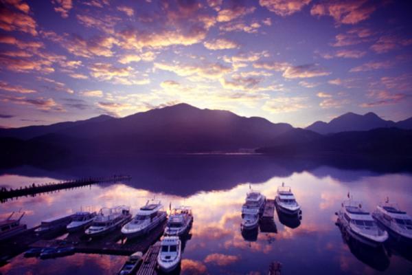 全球最大的8K戶外放映會,為何選在日月潭舉辦?史上最清晰的紀錄片《水起・台灣》重現水的美與好