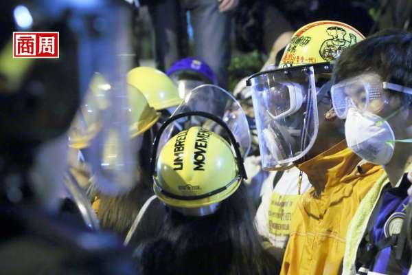 沒有自由,全球第三大金融中心地位立馬崩潰,香港金融人怕了…擔心禁蒙面終結3件事