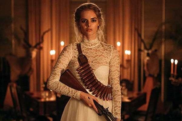 她從小嚮往美好婚姻,成婚卻被逼玩殺人躲貓貓…不是你死就是我活,電影演出婚姻最深恐懼