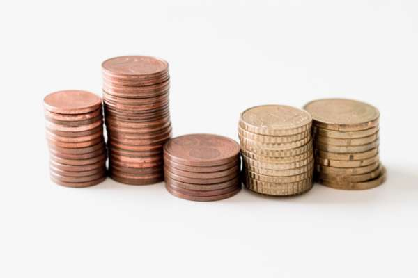 還在自稱「小資」抱怨存不了錢?3年存不了30萬,不用想脫離貧窮地獄!