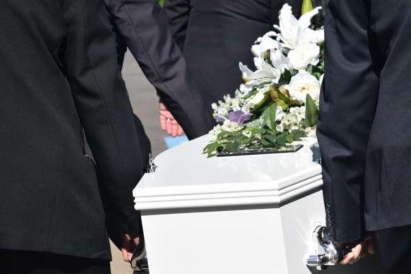 殯儀館到底有沒有鬼?從事殯葬業多年的他們輪流道出自己的經驗,最後一個令人毛骨悚然