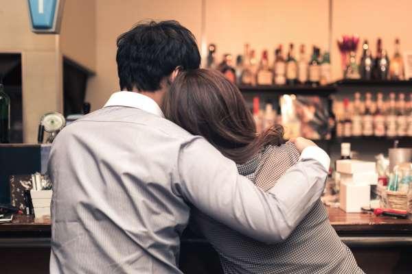 外遇夫總說老婆是親人?小三是情人?別傻了,你只是個工具人!他一席話點醒苦命人妻…