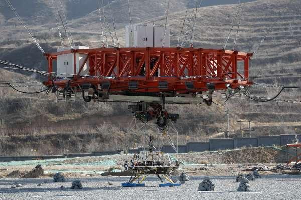 中國第一艘火星探測太空船「天問一號」23日發射升空,挑戰環繞、著陸、巡視探測三大任務