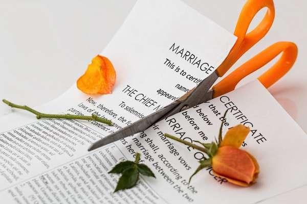 不計代價告配偶「通姦」對我們真的有好處嗎?他道出破碎婚姻中最殘忍真相