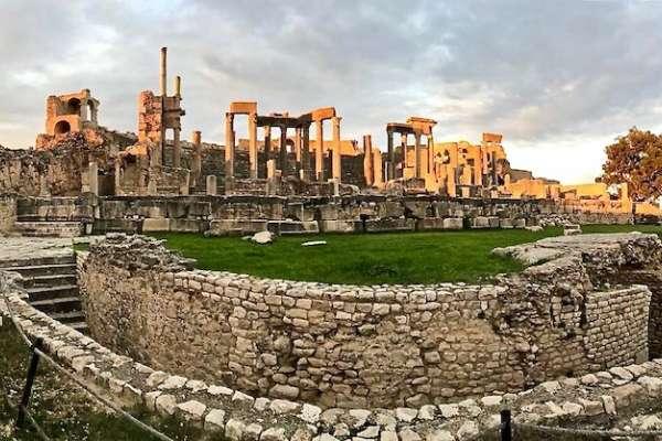 三本書,讓羅馬人得到一扇可以窺見未來的窗戶:《盧比孔河》選摘(2)
