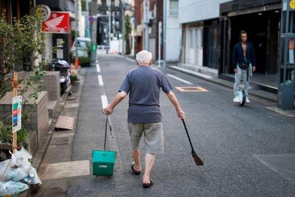 400年前英國街上仍糞便滿地,日本的乾淨就讓外人讚嘆不已:為什麼日本能做到一塵不染?