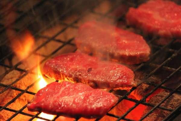 最新台中燒肉店人氣排行榜出爐!香香燒肉、森森燒肉都上榜,第一名不意外地果然是他...